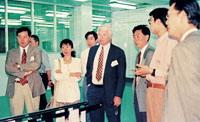 海外客商前来洽谈LCD和LCM业务1